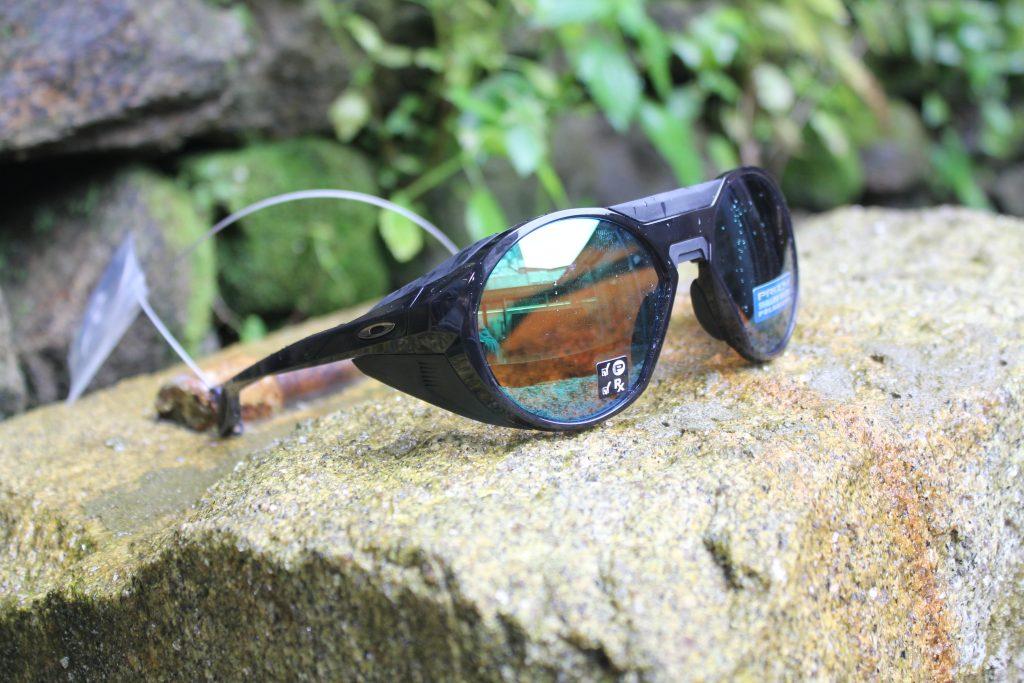 Gafas deportivas Oakley para pesca en río